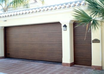 puerta-garaje-enrollable-marron